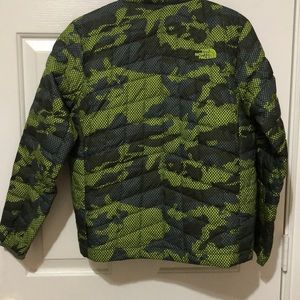 The North Face Jackets & Coats - Boys Green Camo Jacket by The North Face sz M